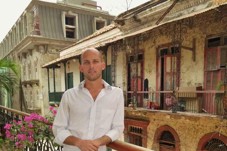 Matt Landau at Los Cuatro Tulipanes