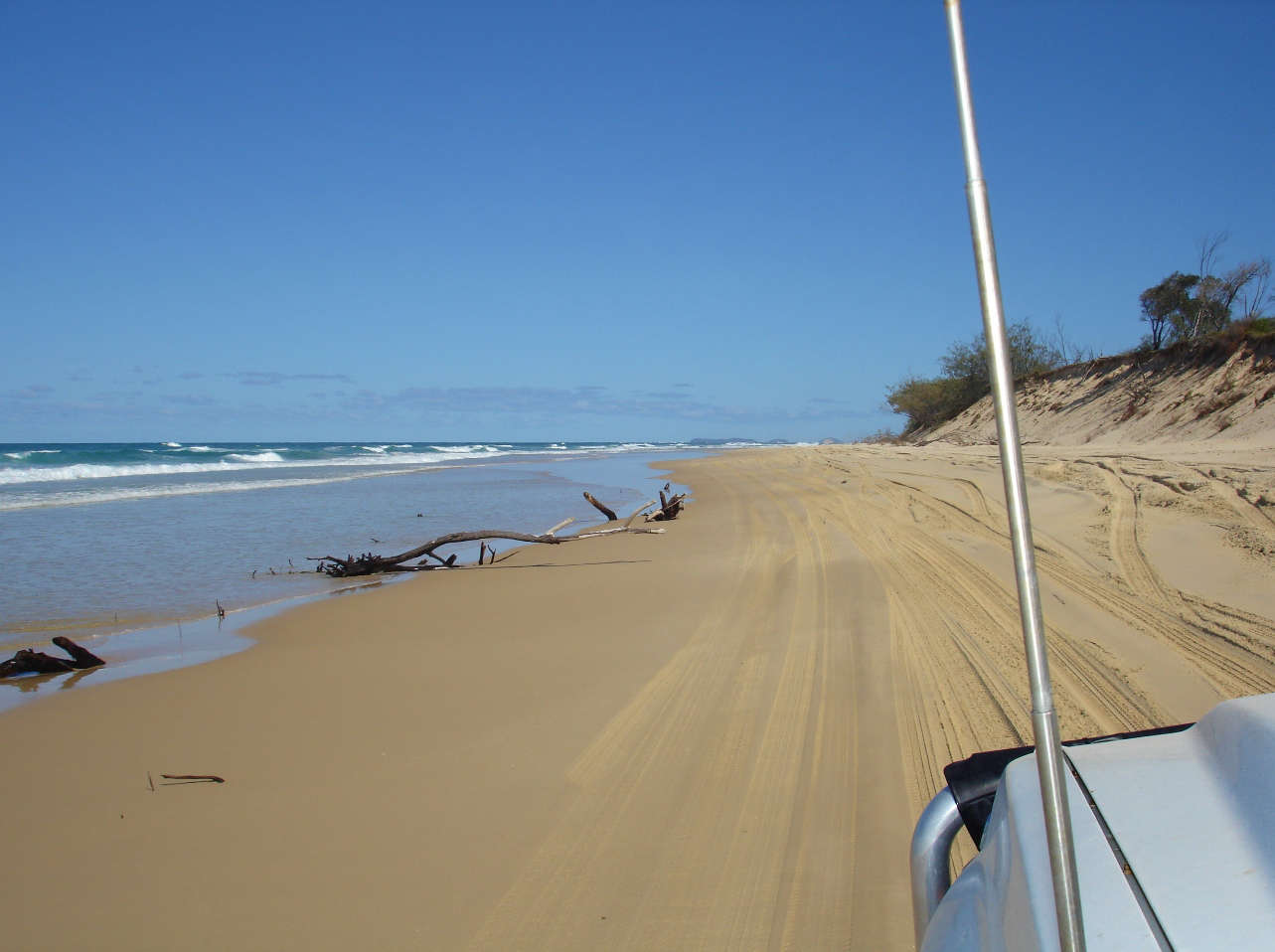 Cruising along Fraser Island's 75 mile Beach