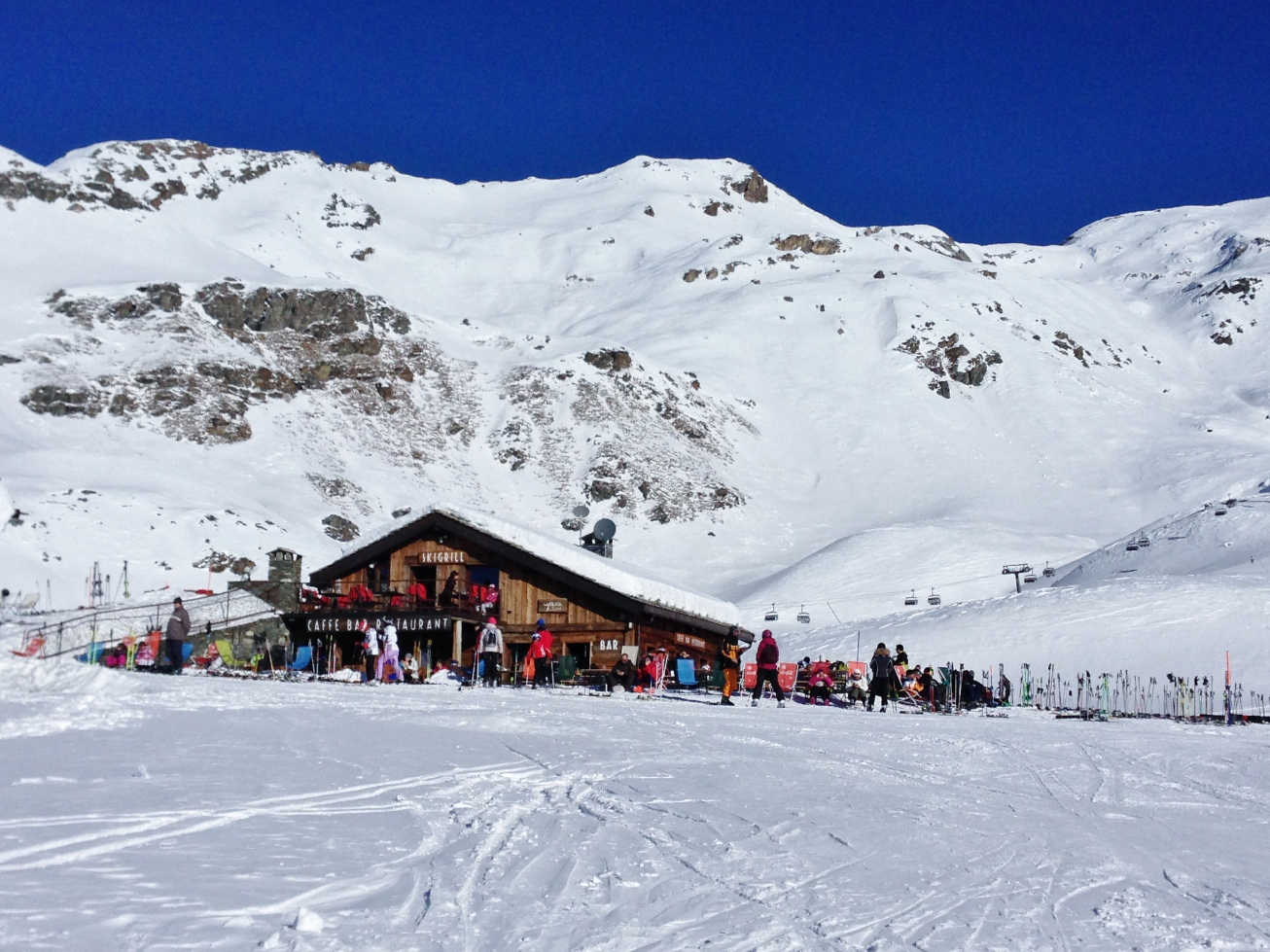 It's easy to border hop between Italy and Switzerland in the Matterhorn region and visit an Italian ski hut