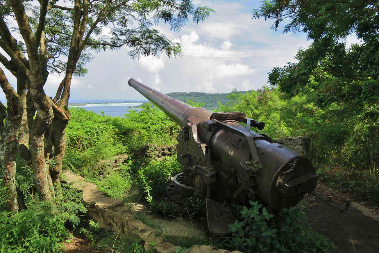 Seven of the original eight cannons from world war II can still be found in strategic points on Bora Bora