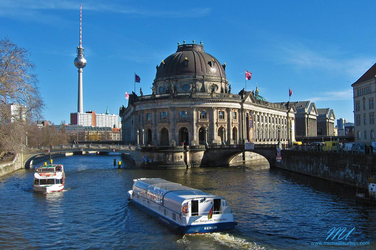 Berlin summer highlights boat tour