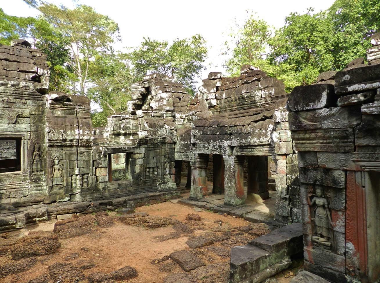 Inside Banteay Kdei