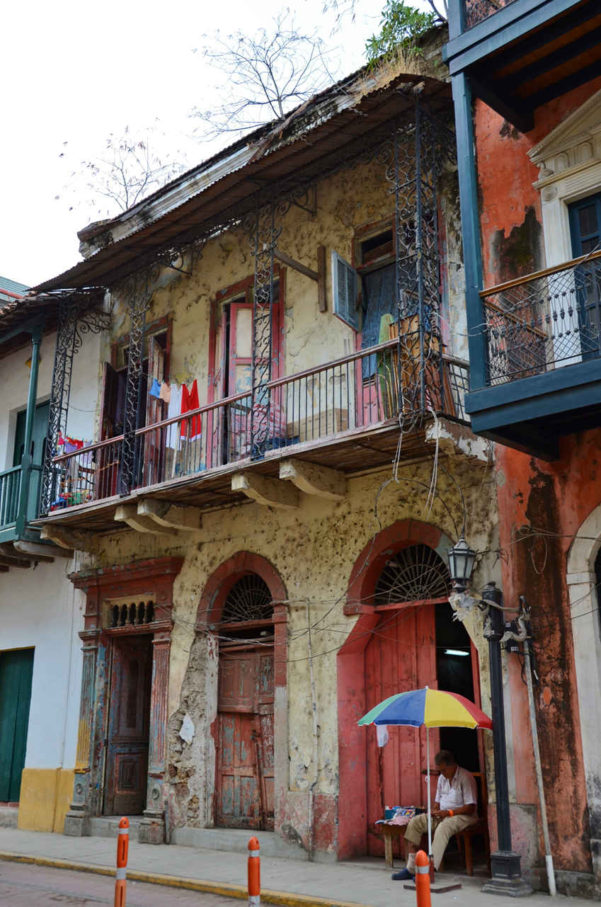 Local houses in Casco Viejo