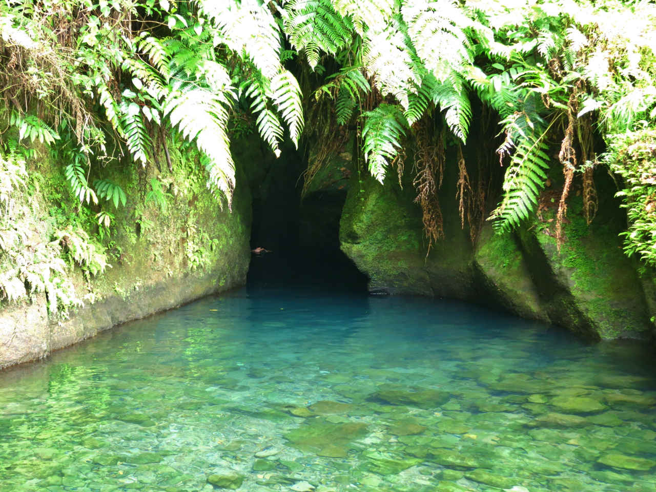 The inconspicuous entrance to Titou Gorge