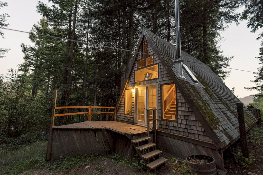 find unique airbnb accommodations cabin