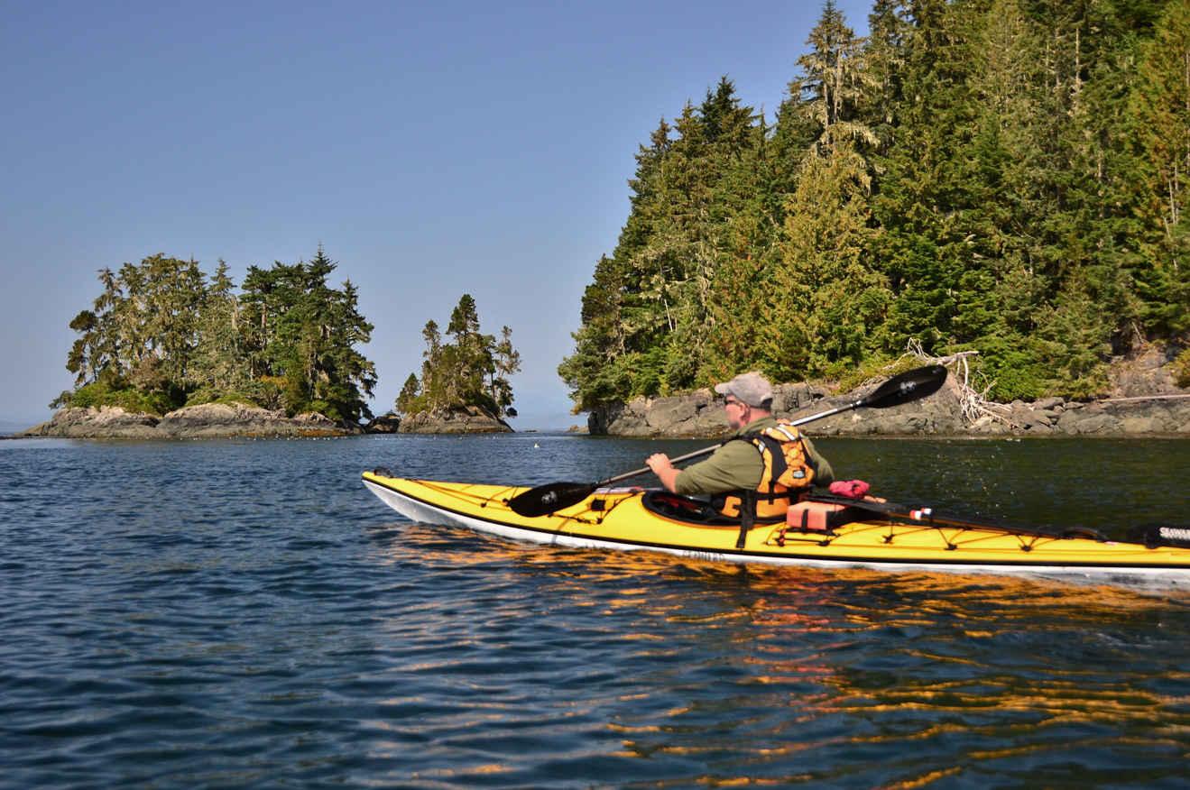 Kayaking Johnstone Strait paddler