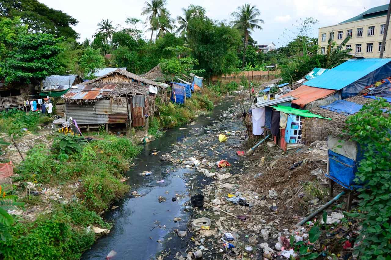 Yangon Cirlce Line slum